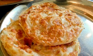 Roti Prata with Chicken Curry